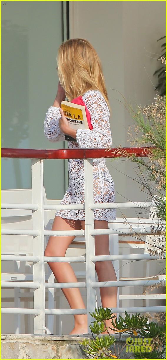 rosie huntington whiteley jason statham viva la madness bikini reading 282890074