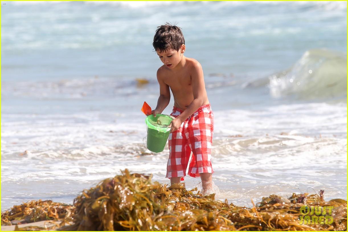 leann rimes bikini beach trip for eddie cibrian 40th bday 16