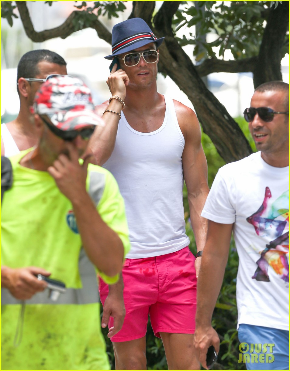 cristiano ronaldo shirtless yacht ride in miami 122891359