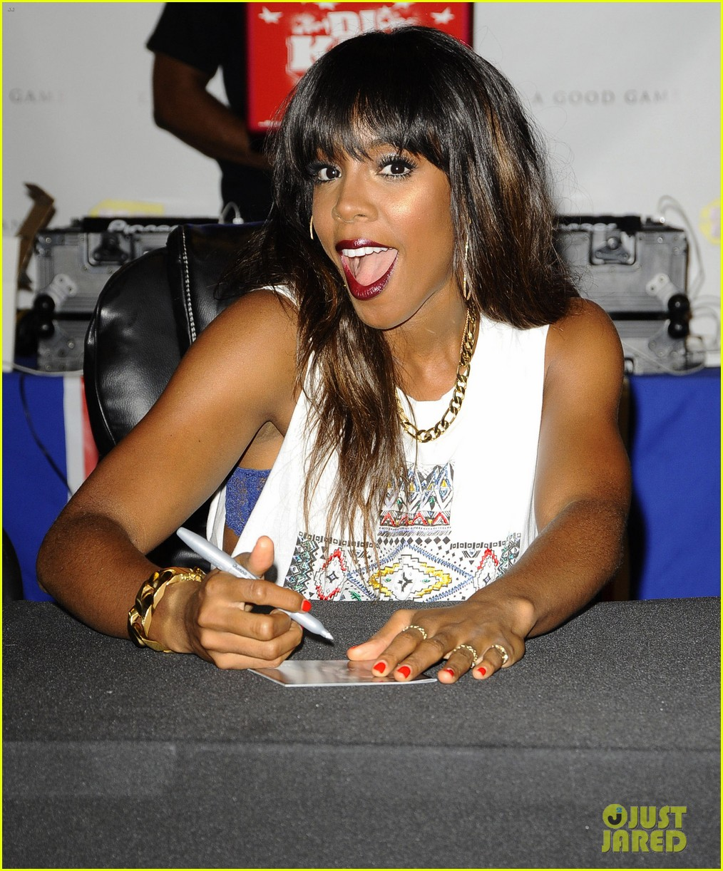 kelly rowland talk a good game nyc album signing 052894182