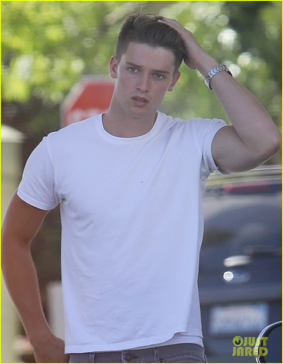patrick schwarzenegger runs errands before kansas city trip 042897764