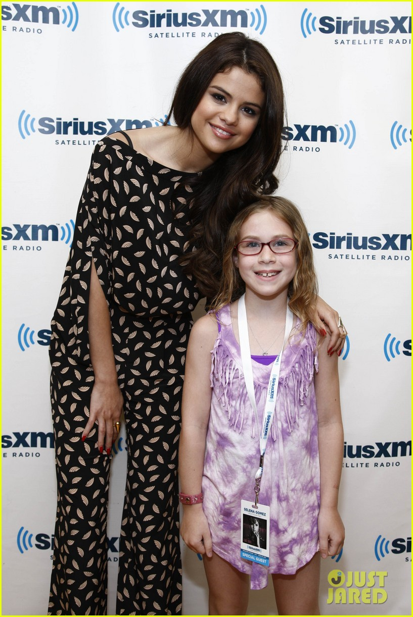 selena gomez stars dance promo at siriusxm studios 19