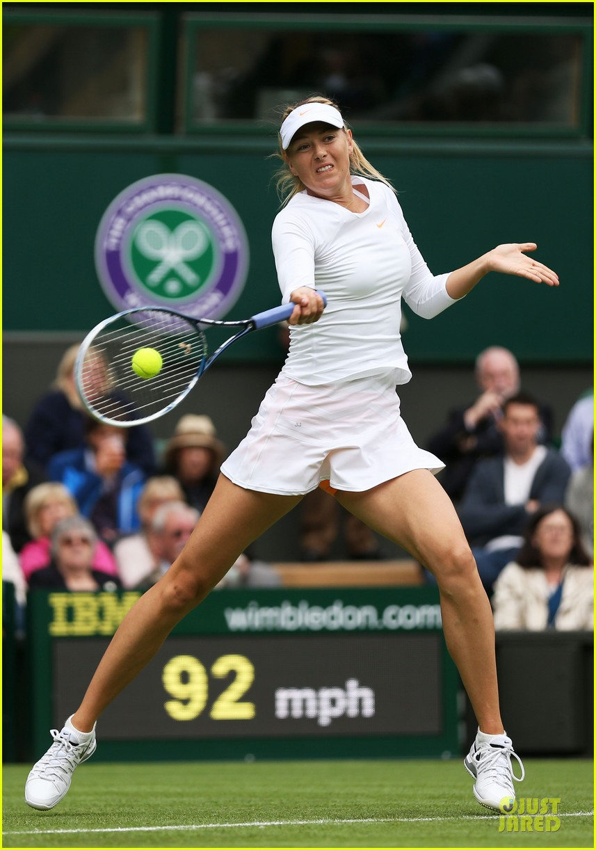 maria sharapova grigor dimitrov hold hands during wimbledon first rounds 13