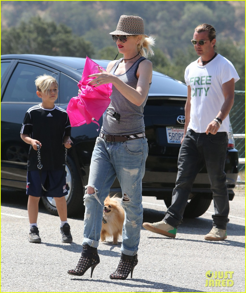 gwen stefani gavin rossdale monsters university premiere with the kids 052893290