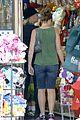 gwen stefani zuma pet supplies shopping duo 27
