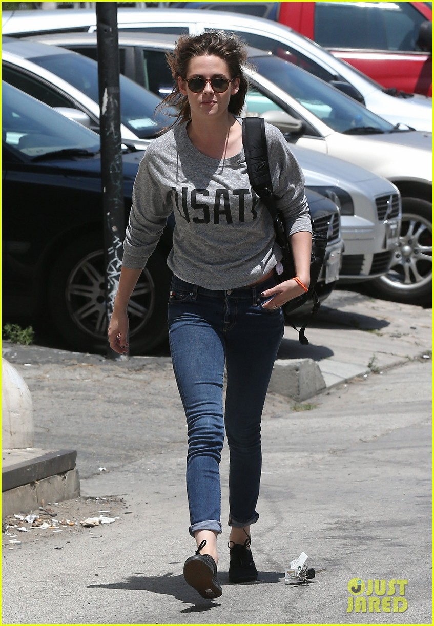 kristen stewart office building stop on thursday 06