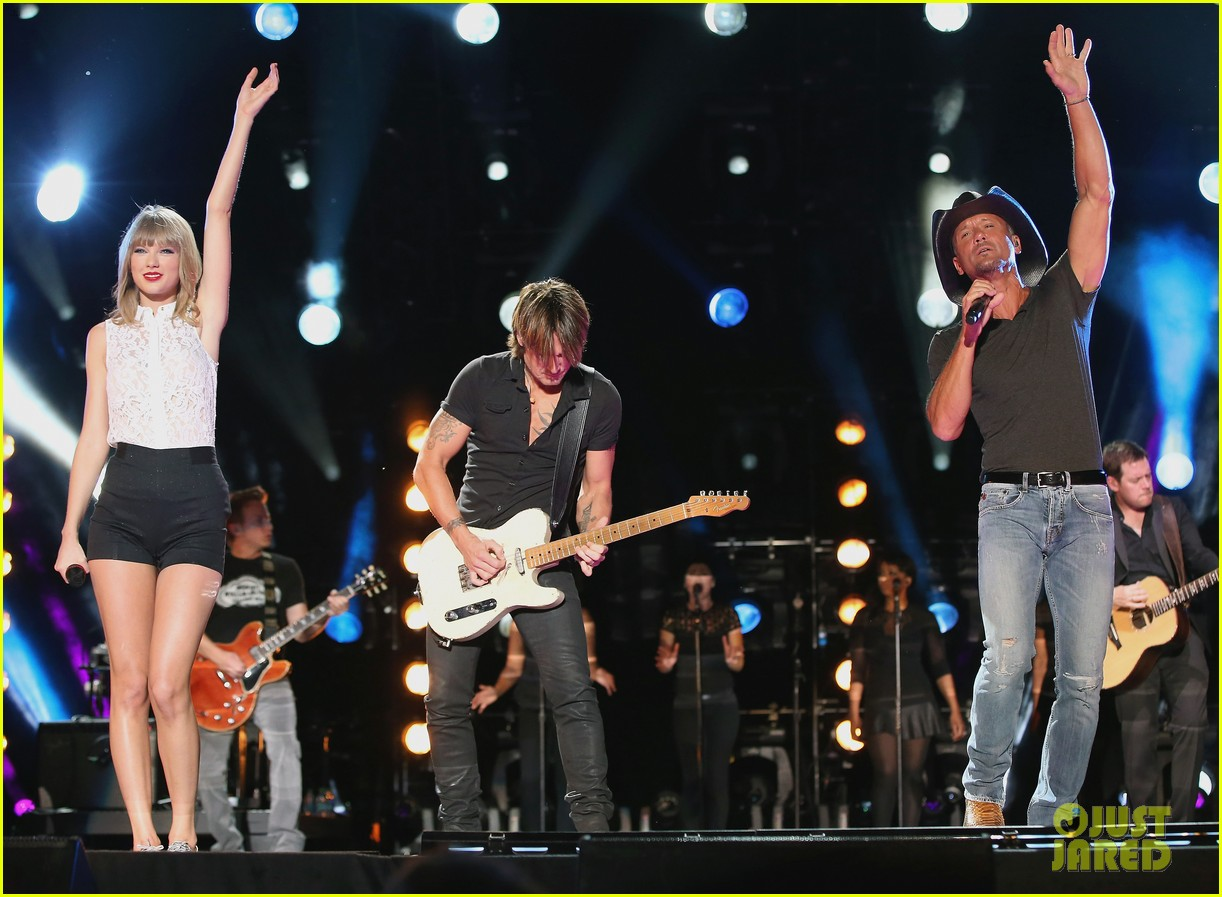 taylor swift keith urban tim mcgraw cma music festival 26