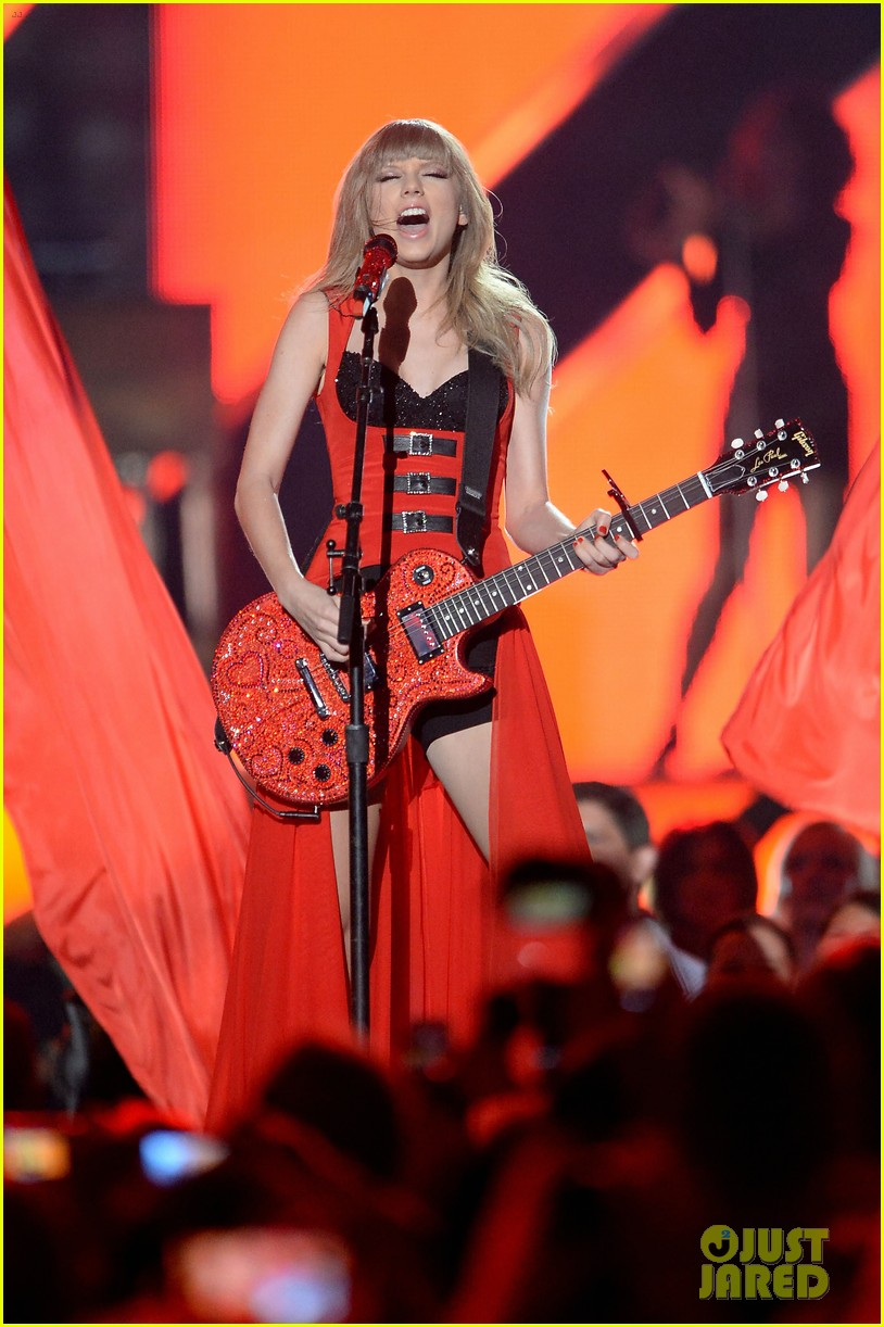 taylor swift cmt music awards performance 2013 video 012885246