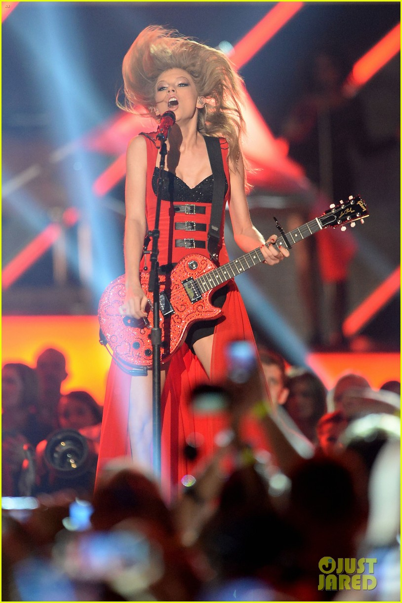 taylor swift cmt music awards performance 2013 video 062885251
