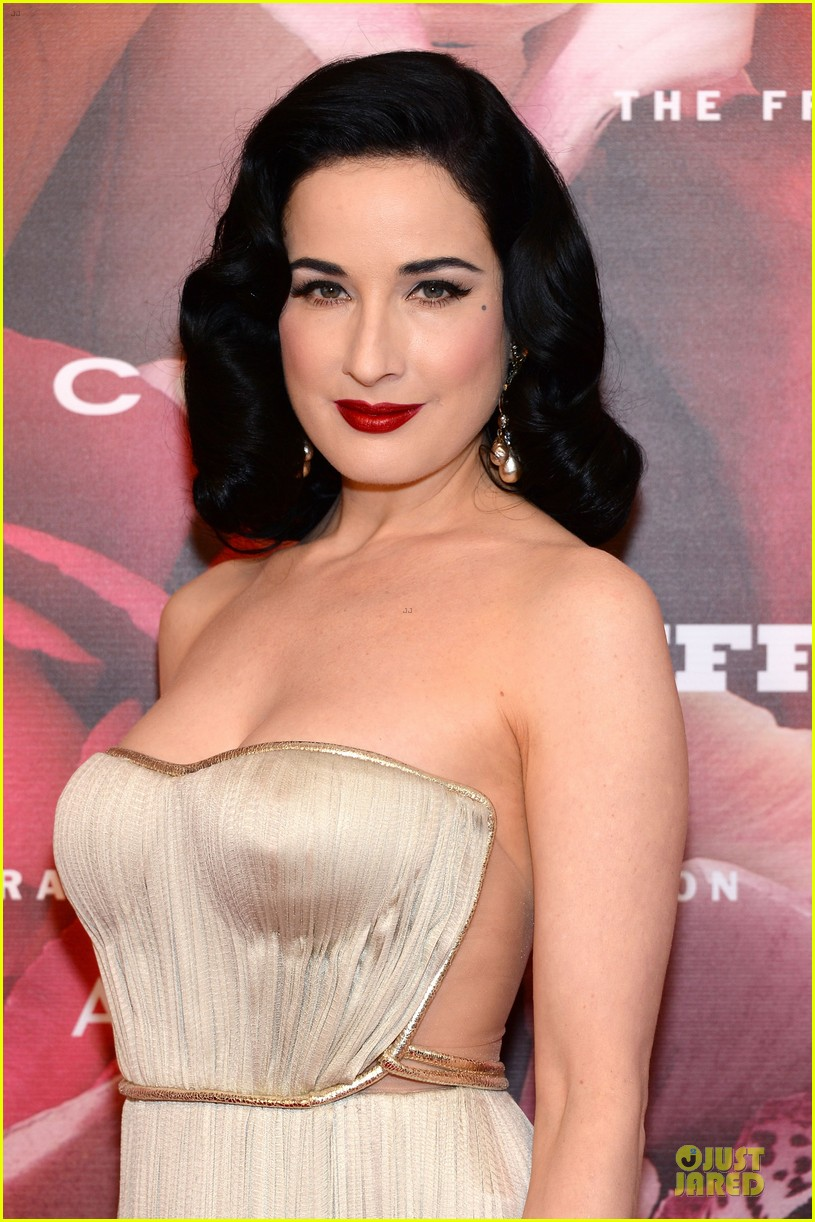 dita von teese jessica szohr fragrance foundation awards 2013 red carpet 02