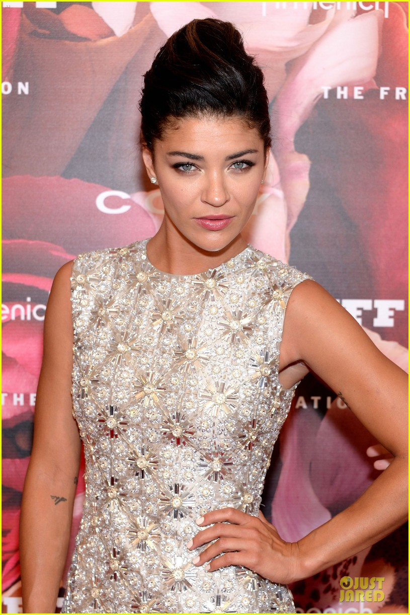 dita von teese jessica szohr fragrance foundation awards 2013 red carpet 04