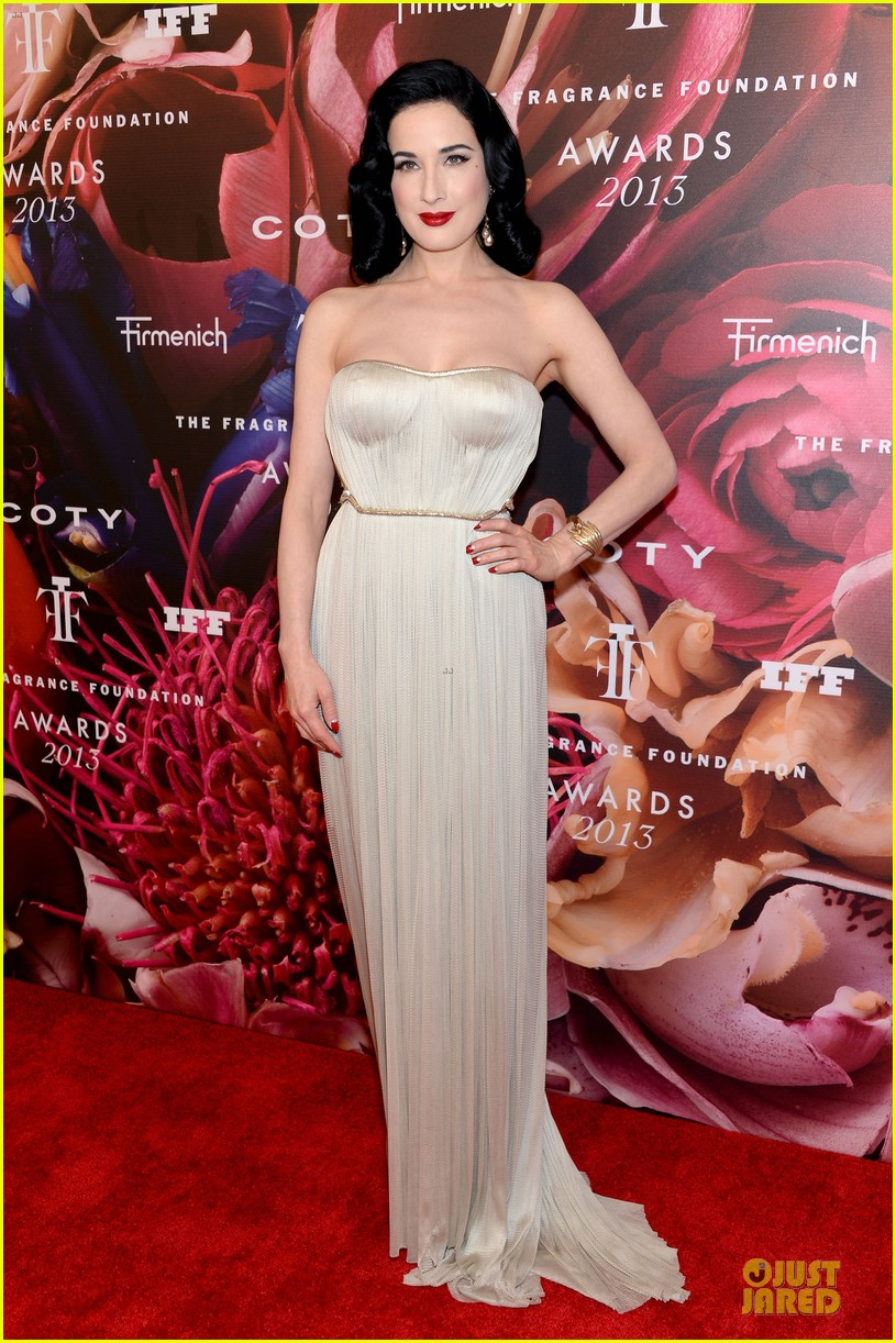 dita von teese jessica szohr fragrance foundation awards 2013 red carpet 10