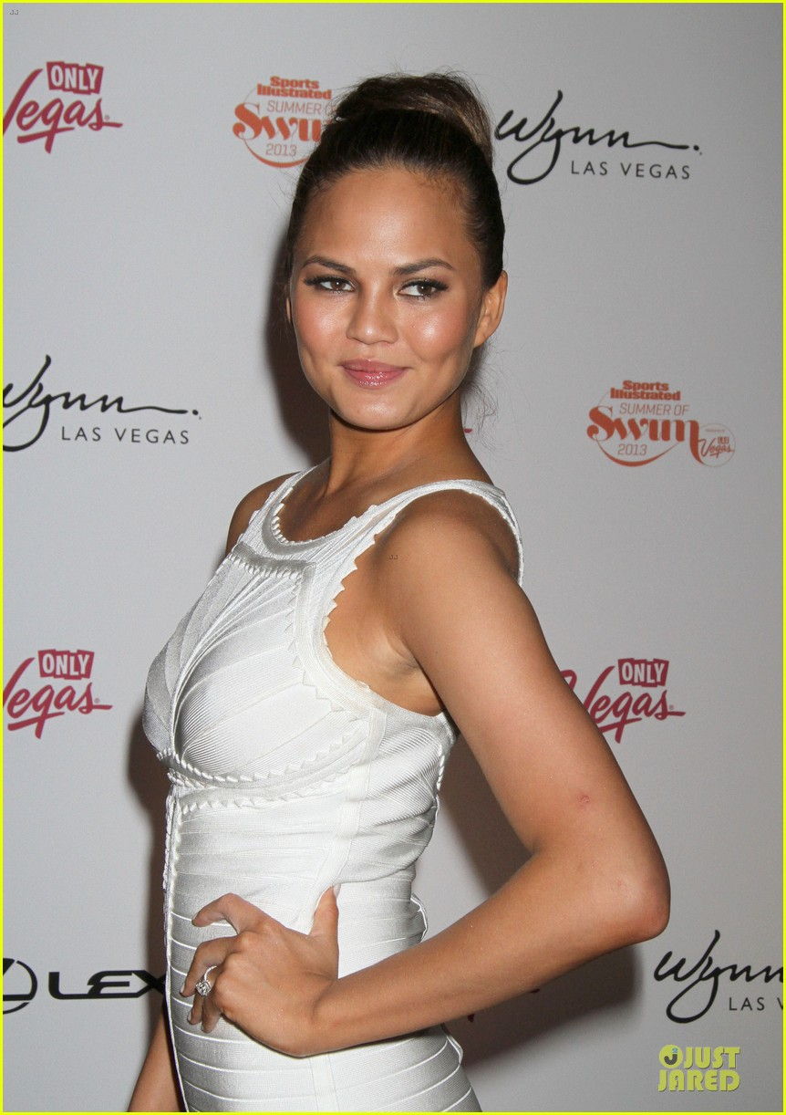chrissy teigen nina agdal summer of swim celebration 08