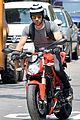 justin theroux ducati dude in new york 07