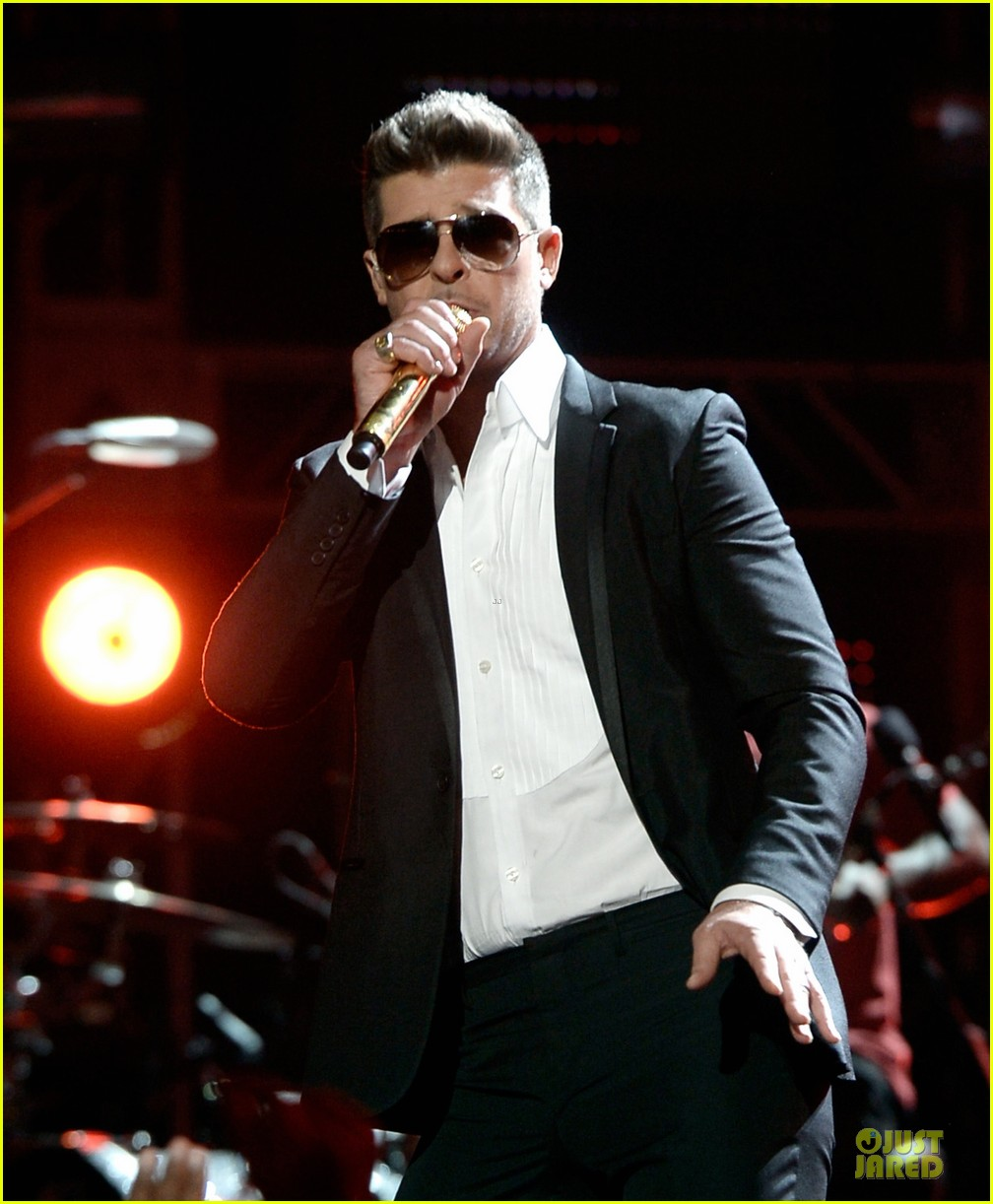 robin thicke bet awards 2013 performance video 022901482