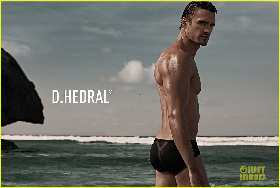 thom evans shirtless d hedral beachwear campaign 012898557