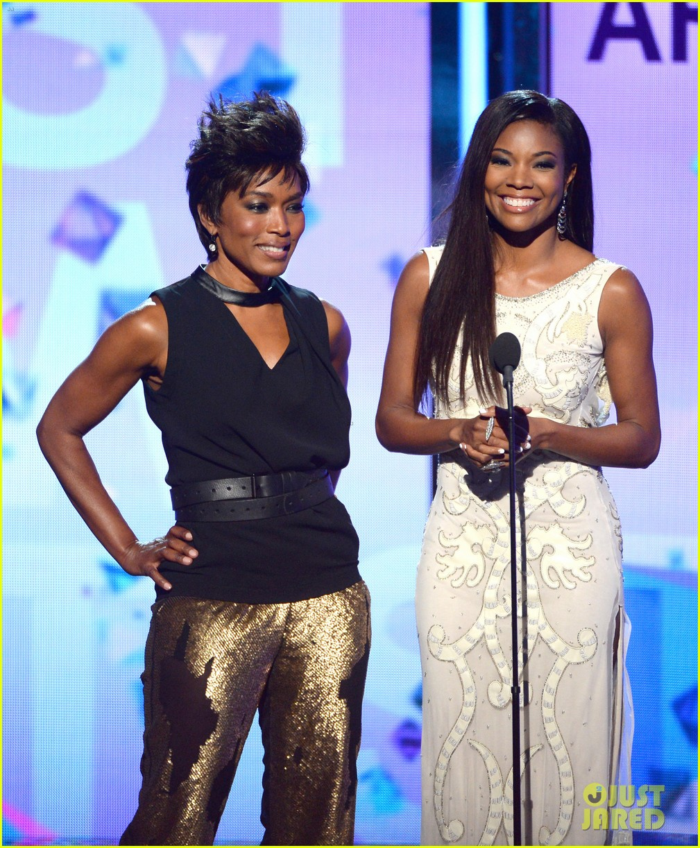 gabrielle union dwyane wade bet awards 2013 red carpet 07