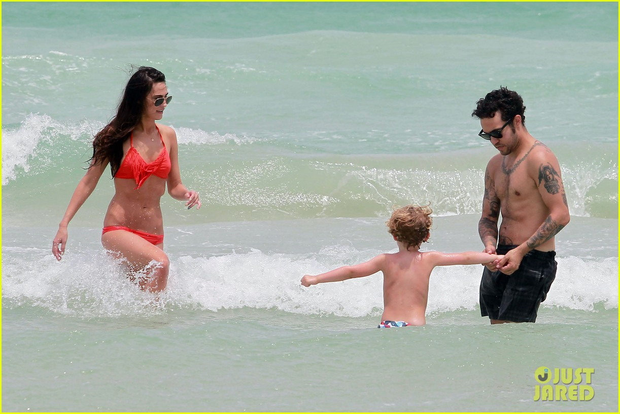 pete wentz shirtless beach day with bronx meagan camper 262886454