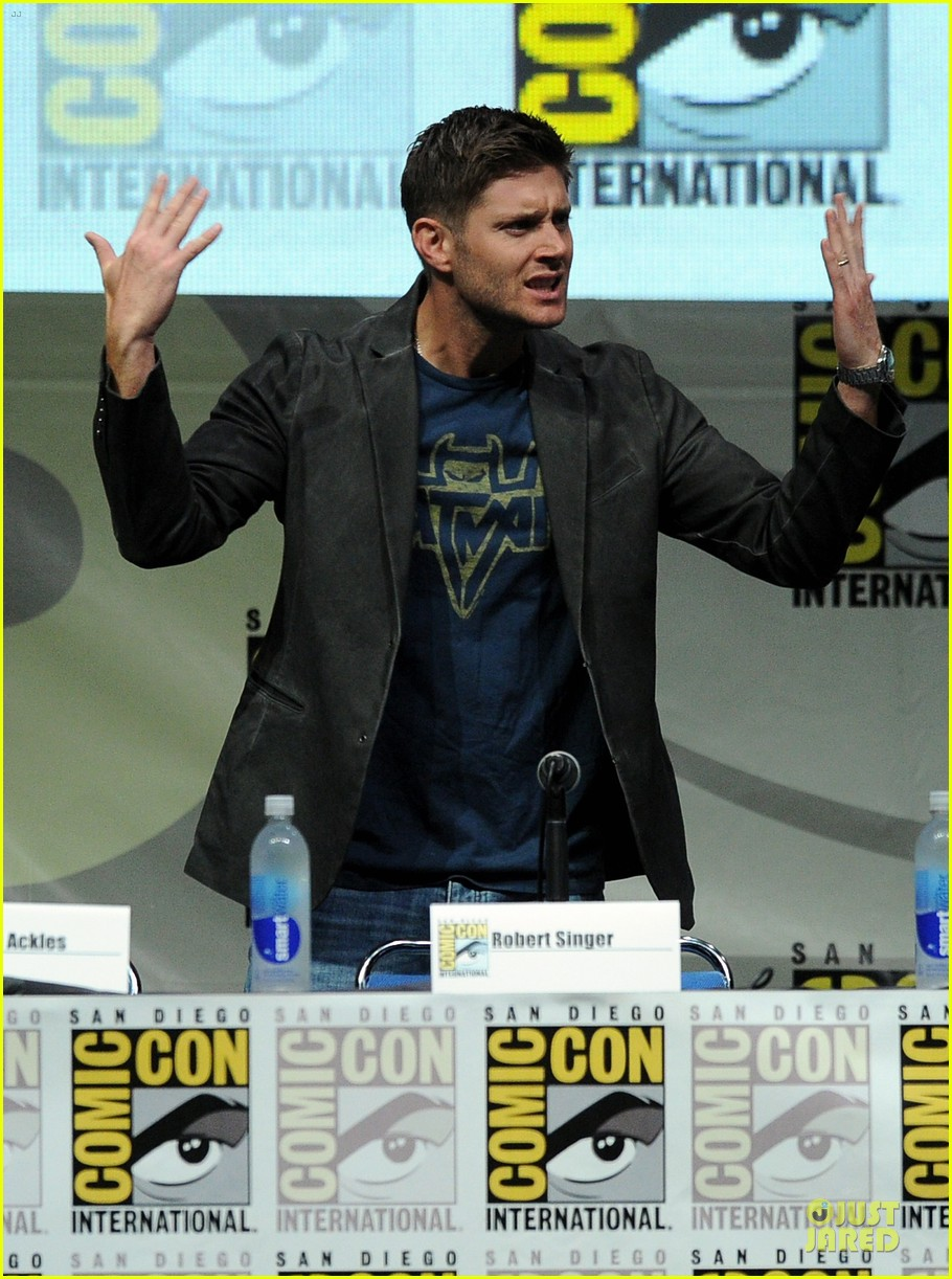 jensen ackles jared ackles supernatural at comic con 06