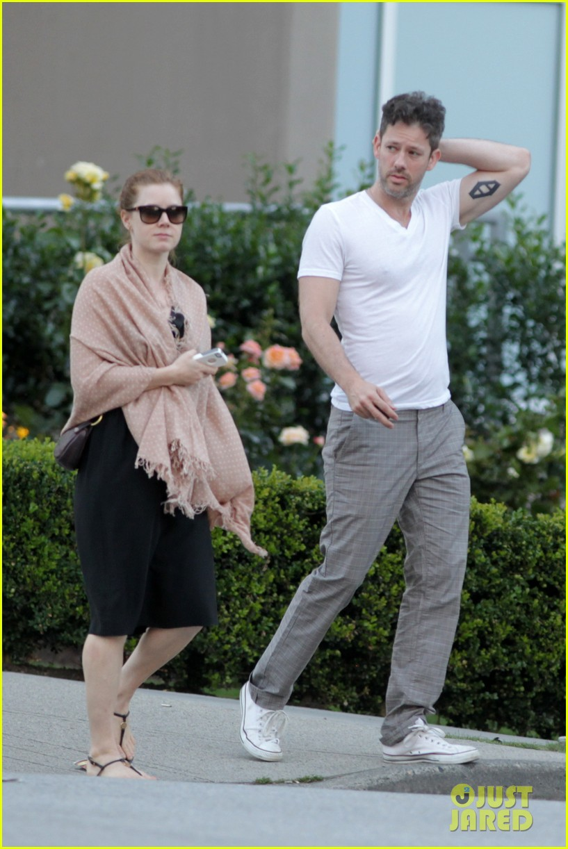 amy adams darren le gallo sushi dinner date 052903183