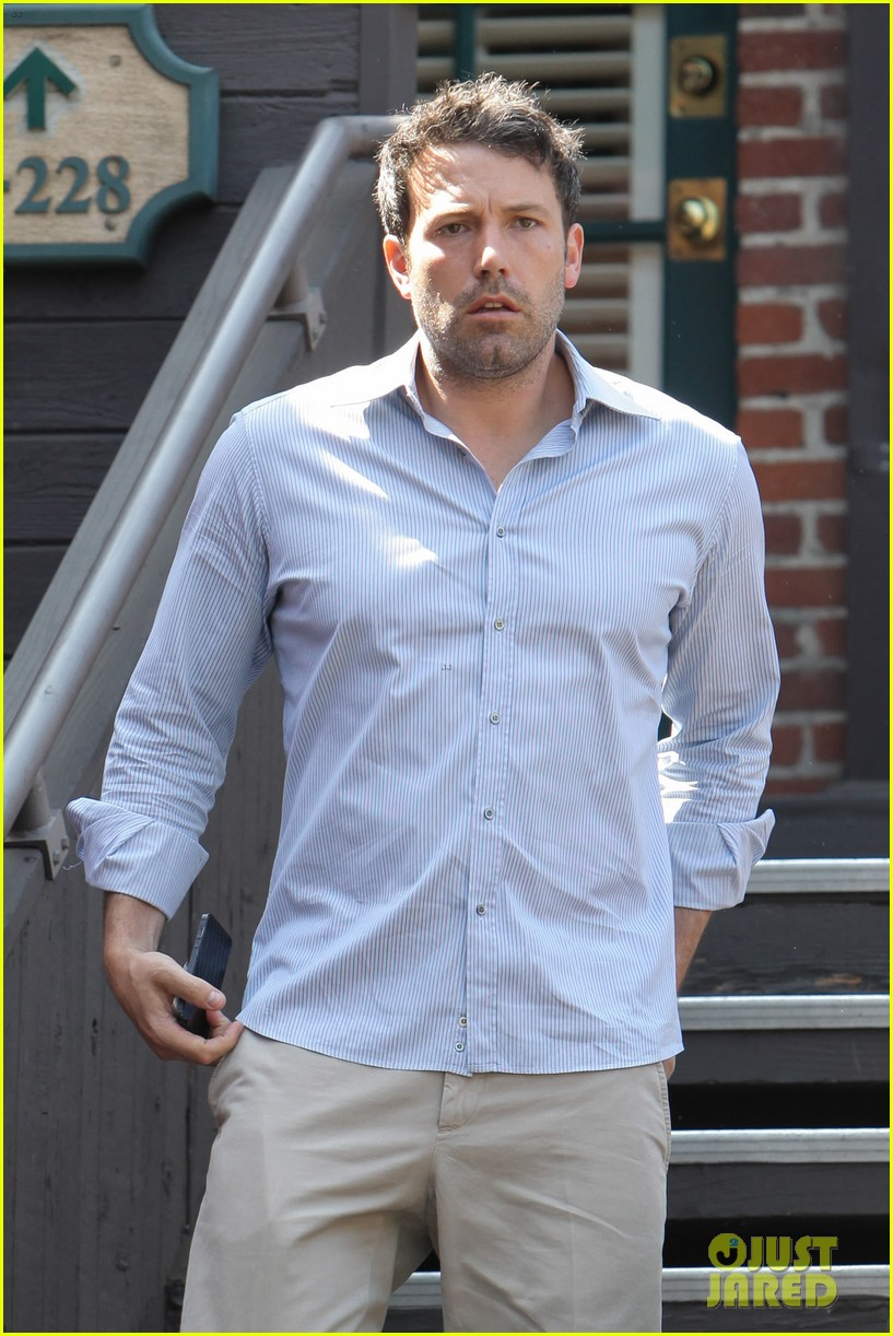 ben affleck business meeting in pasadena 07