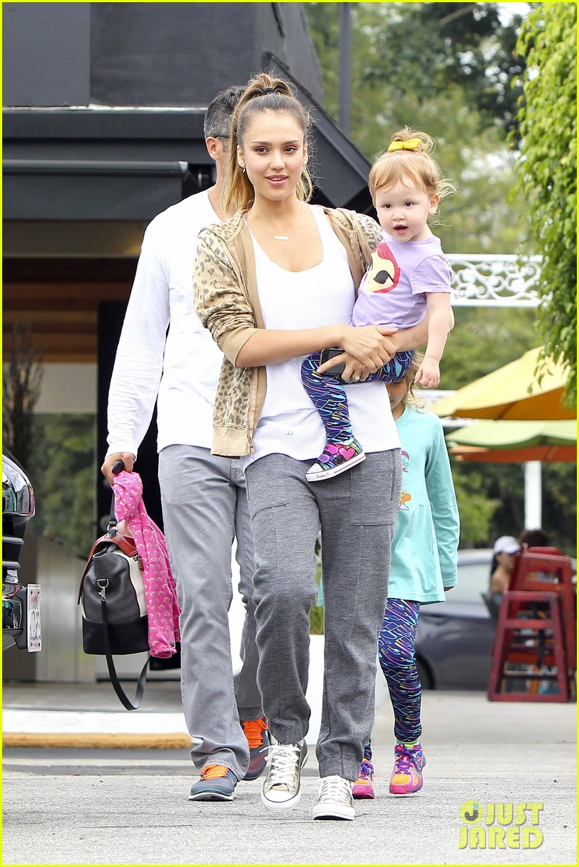 jessica alba cash warren sunday brunch with the girls 062914602