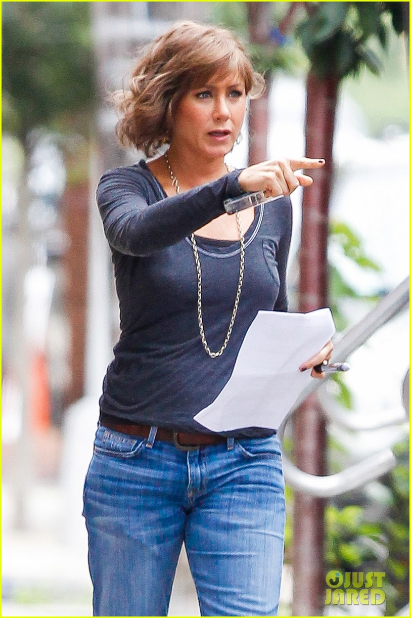 jennifer aniston bespeckled on squirrels set 192916820