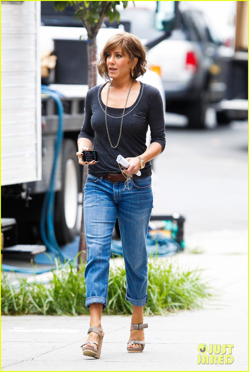 jennifer aniston bespeckled on squirrels set 202916821