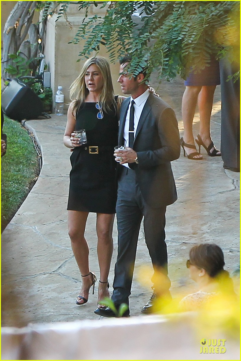 jennifer aniston justin theroux jimmy kimmel wedding guests 122909128