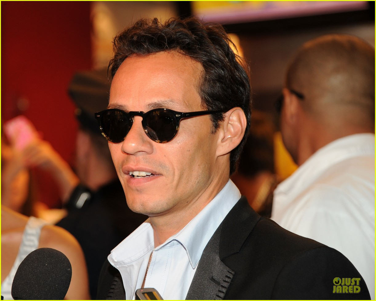 marc anthony chloe green marc anthony 3 album signing 102915465