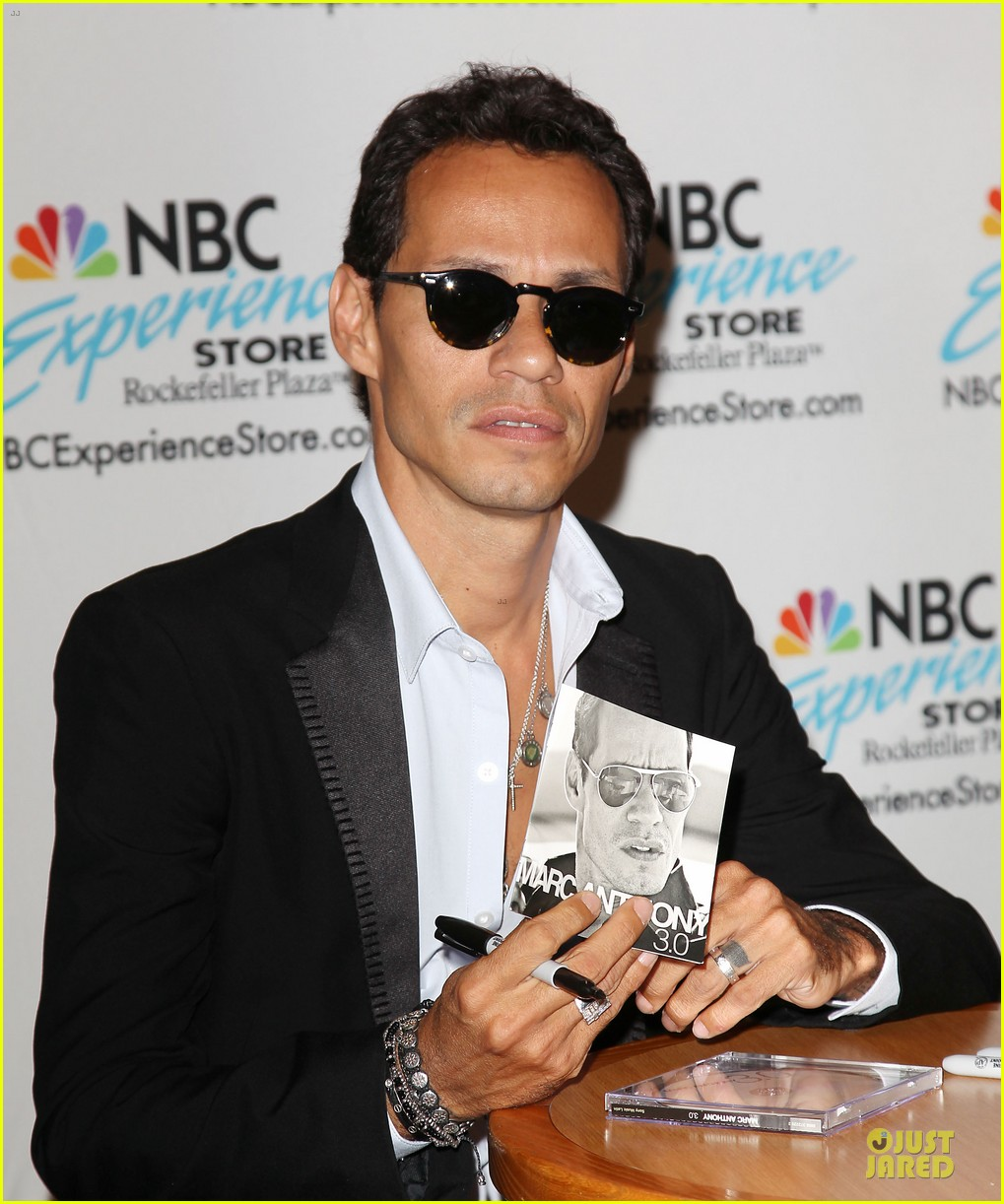 marc anthony chloe green marc anthony 3 album signing 282915483