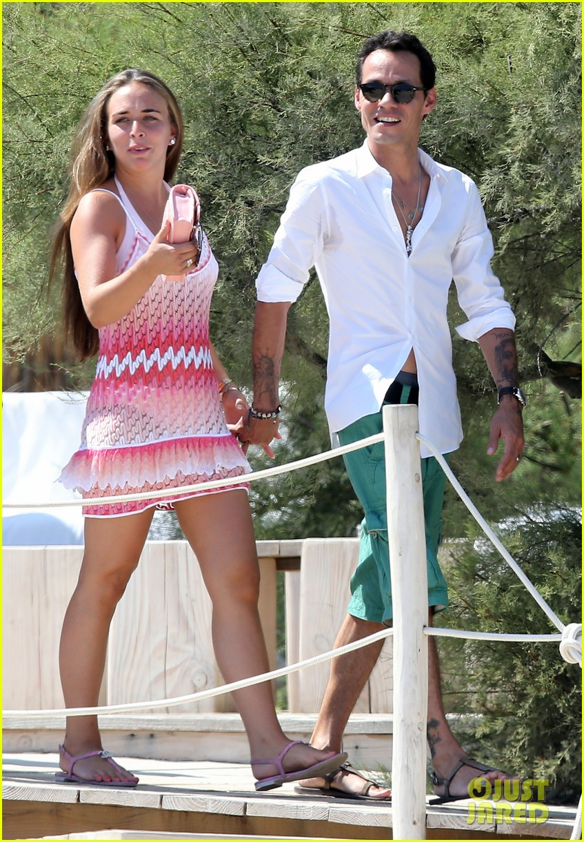 marc anthony chloe green st tropez vacation 072904817