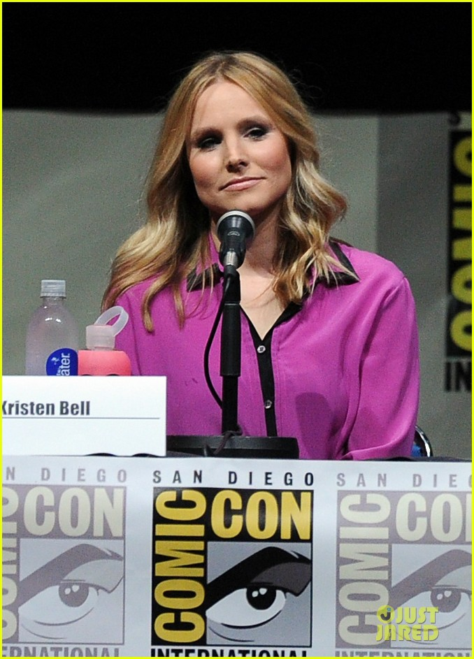 kristen bell chris lowell veronica mars qa at comic con 042912536
