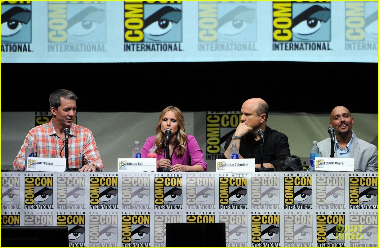 kristen bell chris lowell veronica mars qa at comic con 072912539