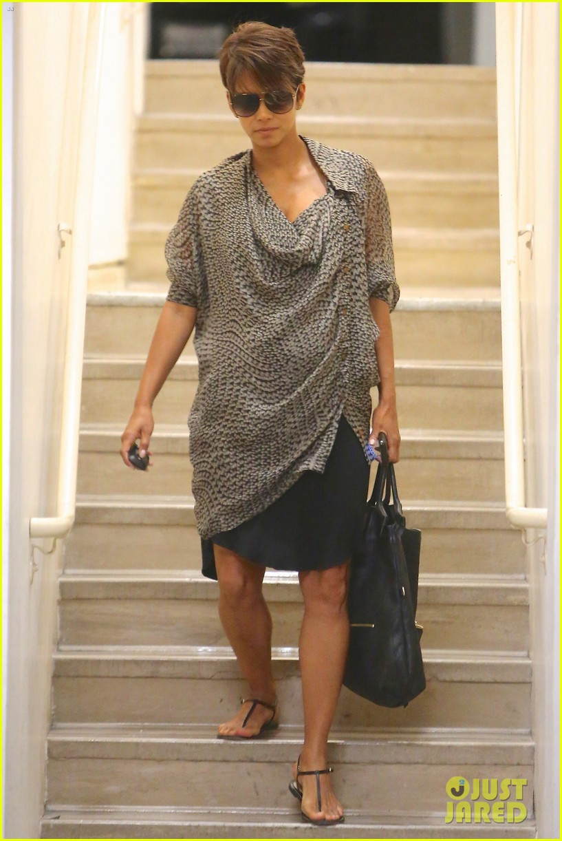 halle berry call tops bluray dvd sales charts 08
