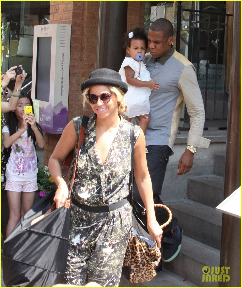 beyonce jay z family lunch with blue ivy 03