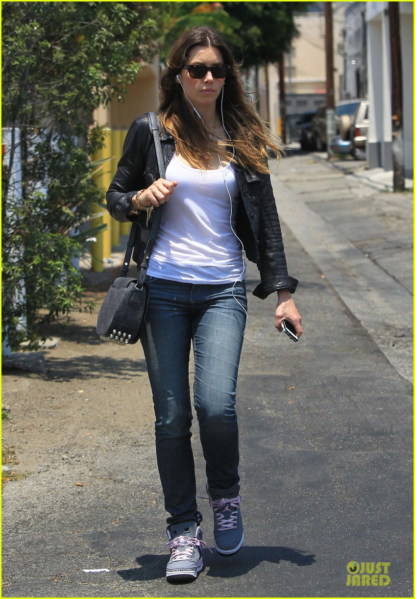 jessica biel summer leather love 14