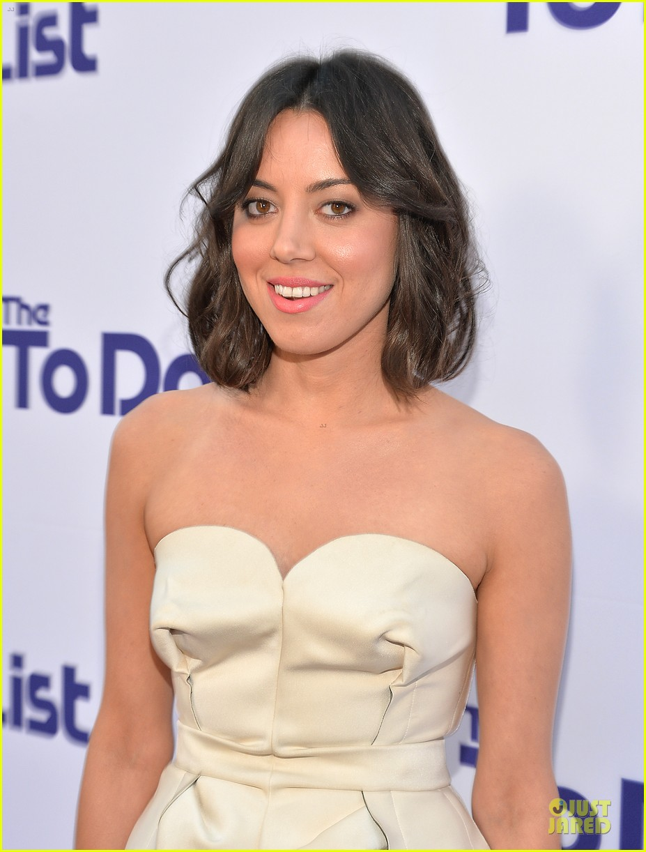 rachel bilson aubrey plaza the to do list premiere 102915556