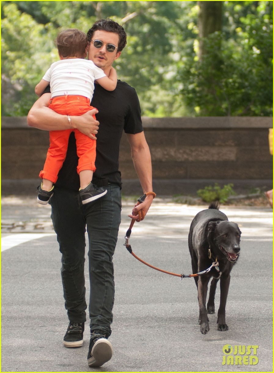 orlando bloom daddy day out with flynn 112905609