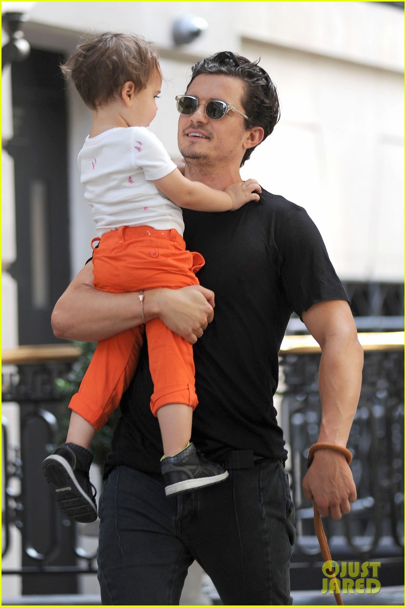 orlando bloom daddy day out with flynn 292905627