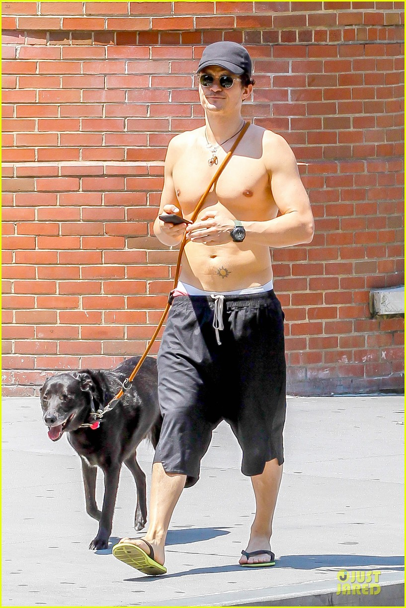 orlando bloom shirtless cool down with flynn sidi 19