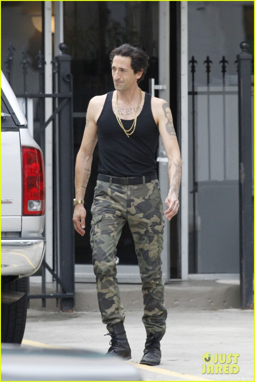 adrien brody sports fake tattoos for american heist 03