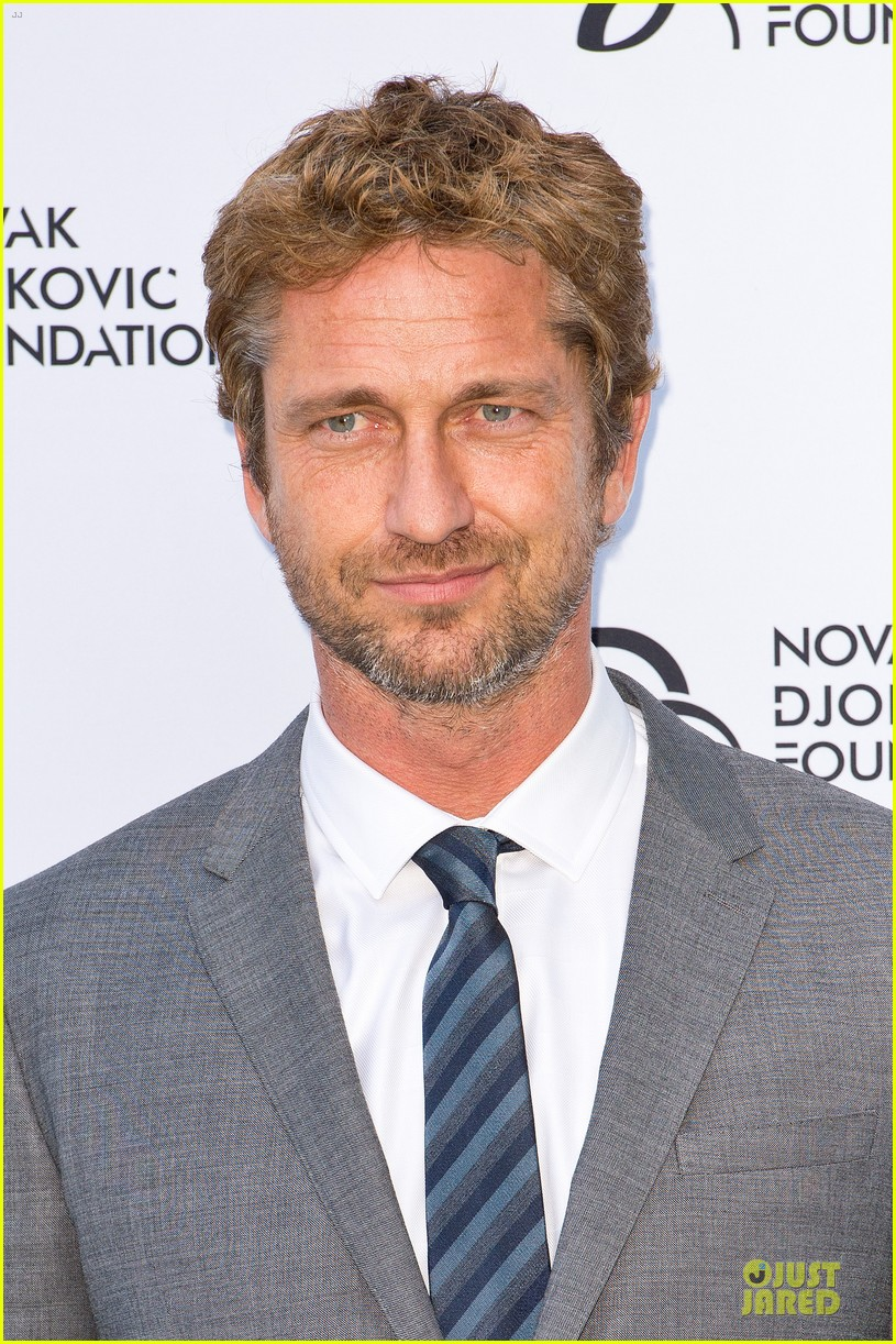 gerard butler novak djokovic foundation gala dinner 02
