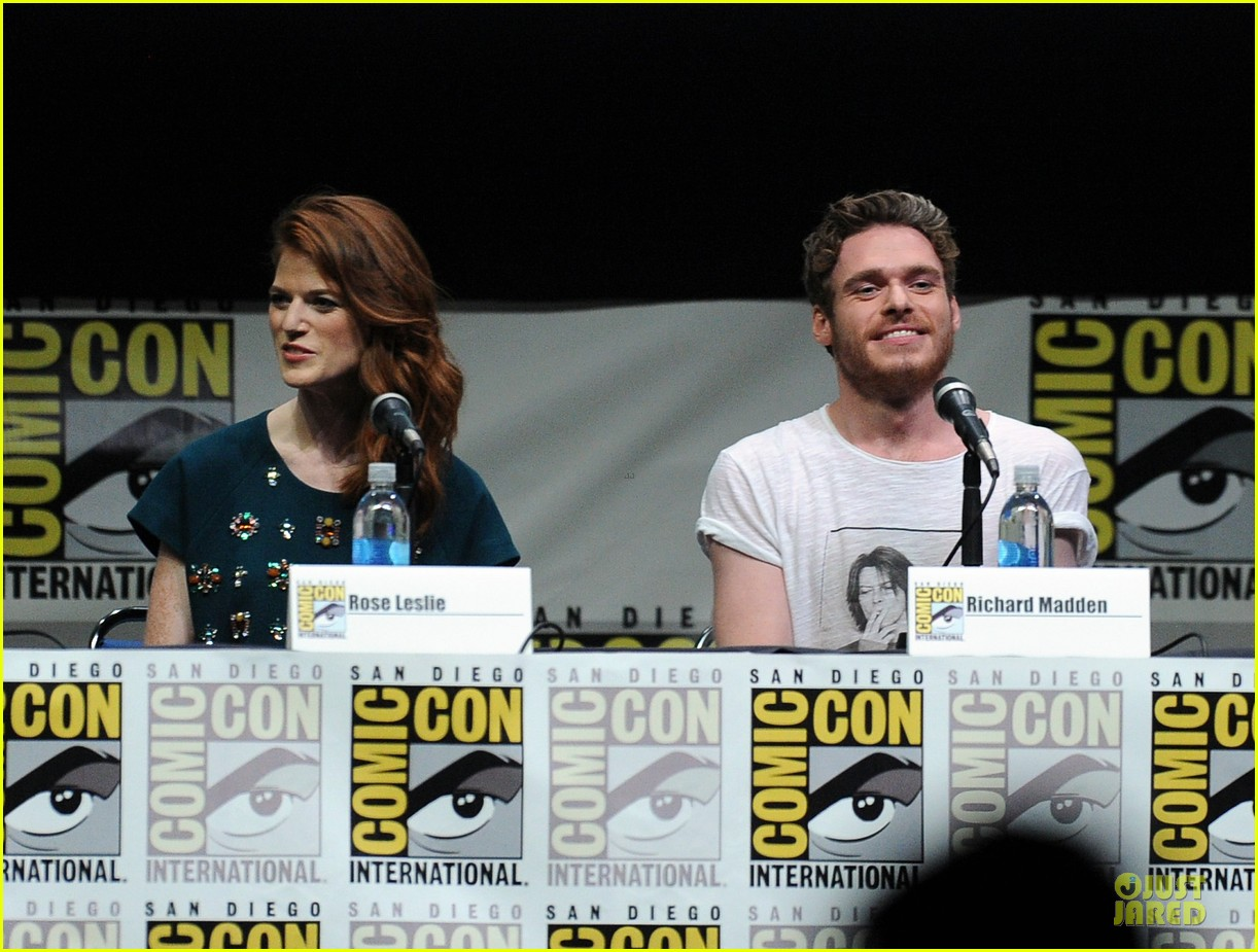 emilia clarke kit harrington game of thrones panel at comic con 15
