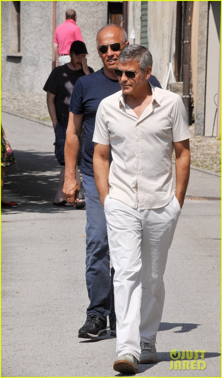 george clooney seen smiling after stacy keibler split 052907229