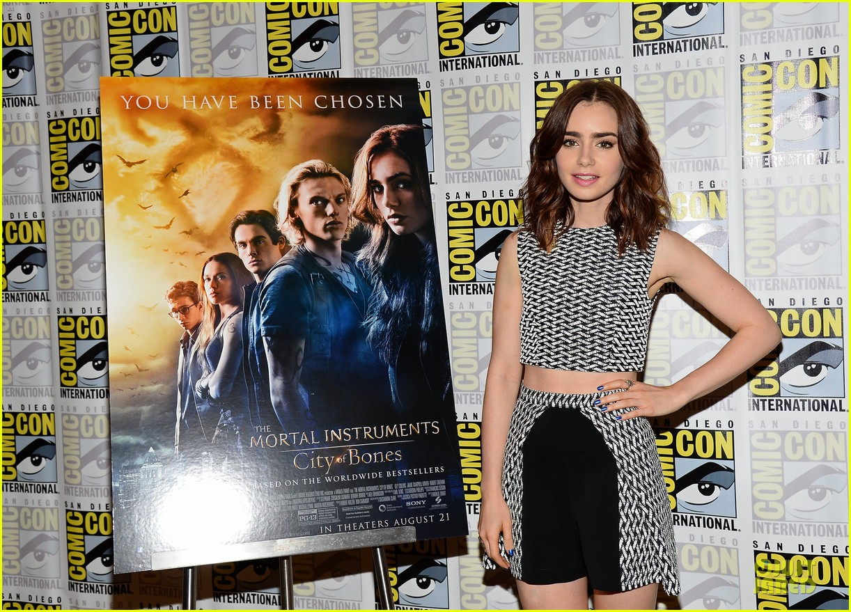 lily collins jamie bower campbell city of bones at comic con 12