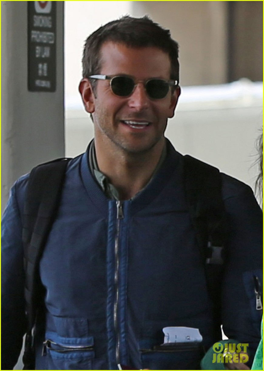 bradley cooper suki waterhouse hawaii vacation 04