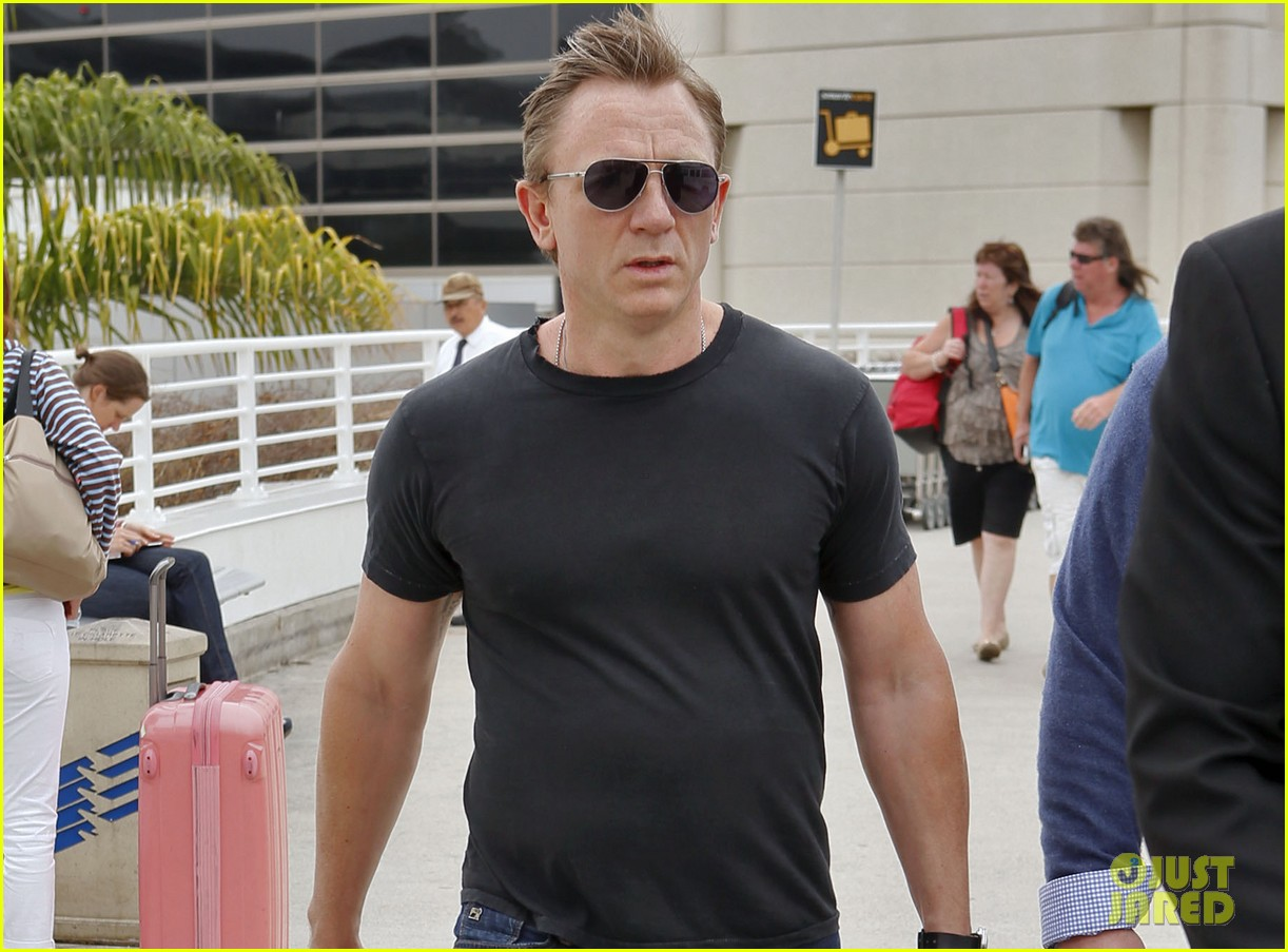 daniel craig lax arrival after australian rugby game 10