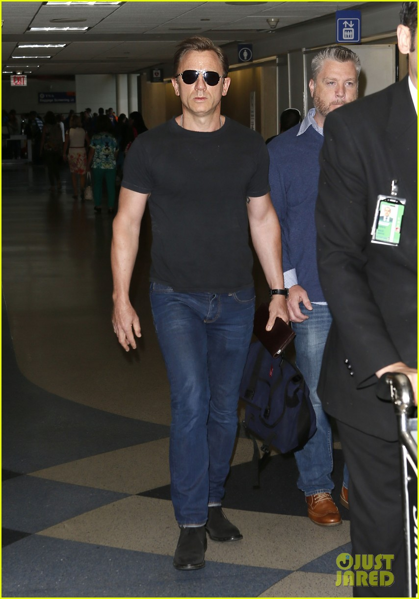 daniel craig lax arrival after australian rugby game 11