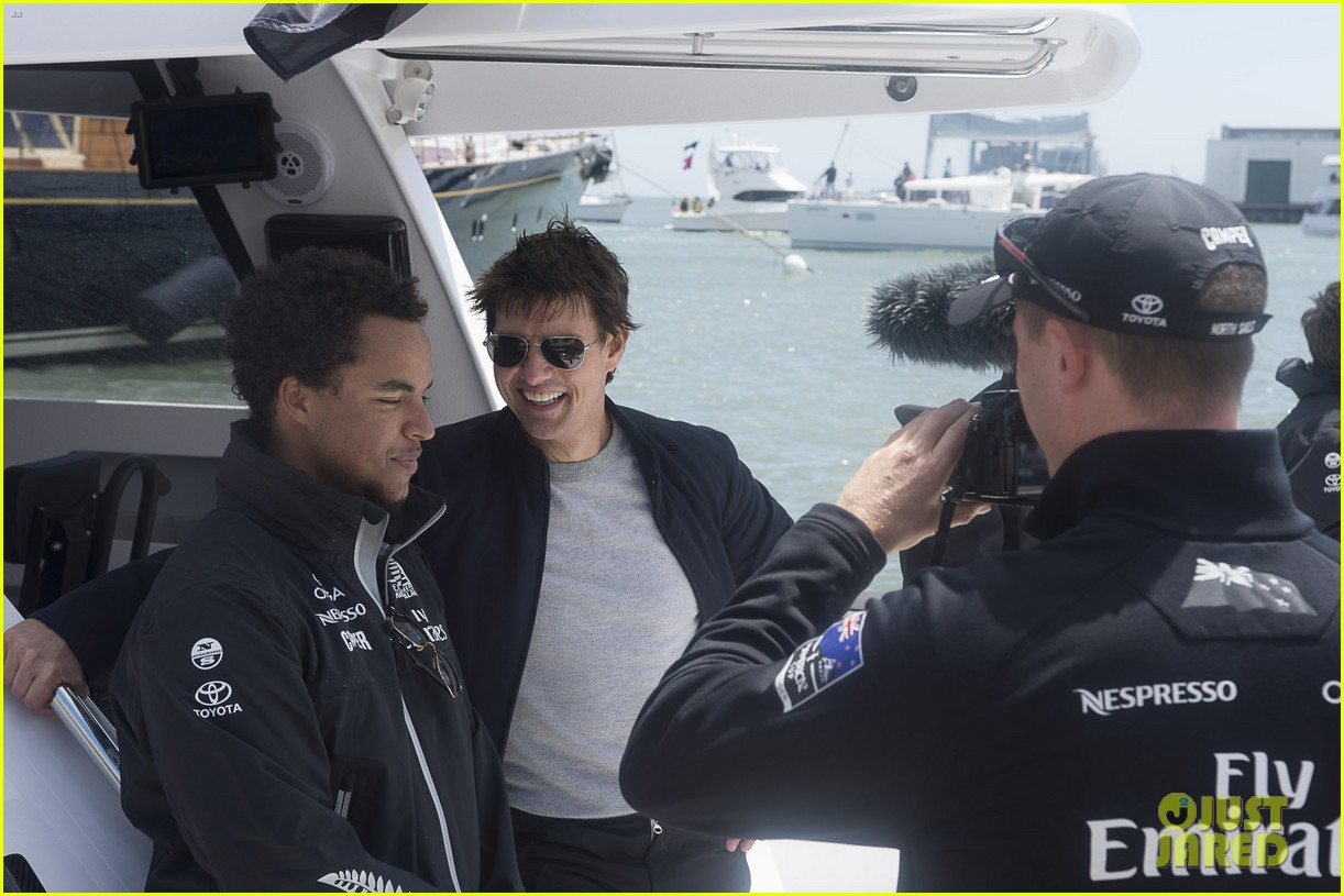 tom cruise connor emirates team new zealand sailing race 03